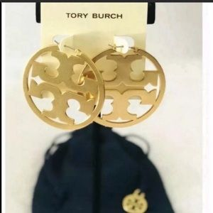 Tory Burch Jewelry - NEW Tory Burch Miller Hoop Earrings in Gold Color